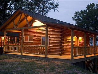 Beautiful Log Cabin with Views of Beaver Lake - 2 Levels