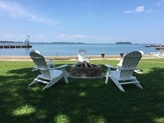 Beautiful Lakefront Home W/Beach On Quiet, Private Drive