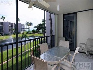 Newly Renovated, 2 + BR+ DEN/2 Bath Condo/Gulf View, R202 GREAT REVIEWS/Sundial