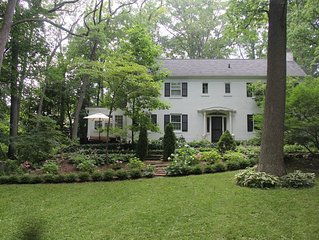 Unique Ives Woods Home ~ Walking Distance To The Big House