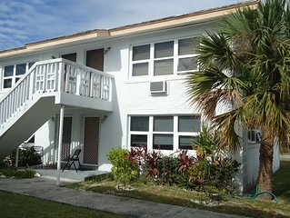 Newly Renovated 2 Bdr Villa; 2 min. walk to Coral Beach