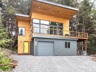 New Modern Cabin with Alyeska Mountain View