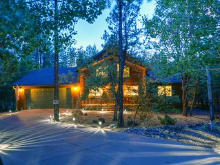 RELAXATION is calling you! Beautiful cabin in the tall pines in Pinetop!