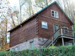 Beautiful Log Cabin For Romantic Getaways On 20 Acres In Logan, Ohio.