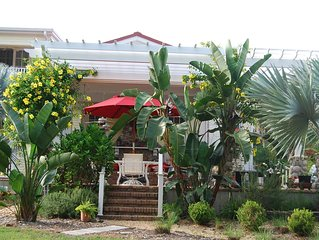 Key West Style Cottage on 2.5 Acre Estate (Secluded)- Very quiet -Tarpon Springs