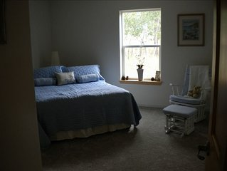 'Pine Cone Bayou'-Lovely Lake George Home. 4 Bdrm, 3 Bth. Sleeps 10-12