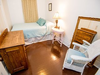 STAY IN BEAUTIFUL DOWNTOWN MARQUETTE! TWO BLOCKS FROM LOWER HARBOR W/ PARKING