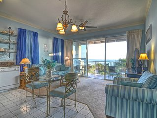 30A Condo w/ Gulf Views! Includes BEACH SERVICE! Close to shops & restaurants