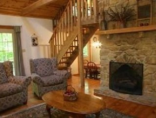 'Old Hickory' - Rustic and Charming Cabin, Close to Nashville. Couples Getaway