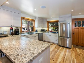 Gorgeous NEW Knotty Pine Home on Westshore with Beach and Pier Access