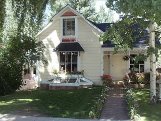 Charming Aspen Central Victorian; 4 Bedrooms, Walk to Gondola