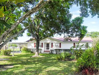 Frostproof Home with Pool in Sunny Central Florida!  Pet Friendly, 554 Lakes!