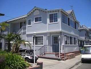 Spacious 5 bedroom home, 1 block from beach