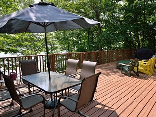 Beautiful. comfortable cottage, amazing Lake views. Family friendly. Huge deck.