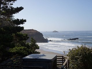 Headland House- Large Ocean Front Home,  Private Beach, Family & Dog Friendly