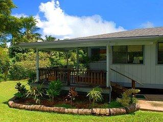 North Shore Cottage Rental - Beautiful Tropical Surroundings!