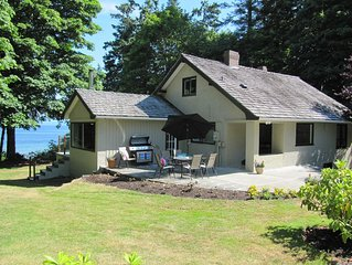 Tunnel Hill - Oceanfront Estate - Central Qualicum - Private Beach - Kayaks