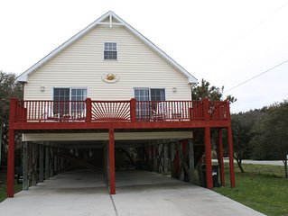 Charming House Located in the Heart of Kure Beach (Ocean Views)