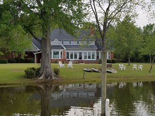 Lakefront Home on Goat Island***Private Dock***Large Yard***Outdoor Fireplace