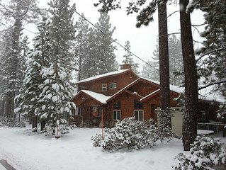 *Sno fun* * Little Lodge/great rates, reviews, big smiles, laughs,family time ;)