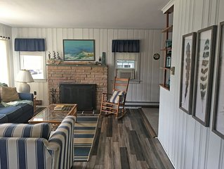 Cape Cod in LEHYC District, Close to Bay Village, Sleeps 14