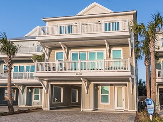 DISCOUNTED FALL RATES! Pool - Steps Away from the beach - Grill - Beach Views