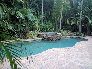 Spoonbill Hideaway-*WINTER SPECIAL*/Huge Pool/Spa/Across from Gulf Beach