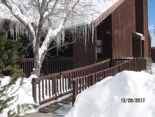 Cozy condo located in core Pagosa Springs with beautiful views