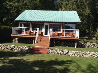 Lakefront Cottage on Kootenay Lake- Call Sherry *******-9681