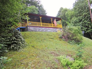 Large,Stunning Mountain House-Amazing Location, Great Rates, Close to Everything