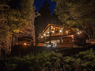 Beautiful Gold Beach Vacation Rental On The Rogue River! Mountains, River & More