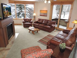 Only True Ski-in/Ski-Out 5 Bedroom in Town!