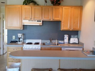 oceanfront free wi-fi, pool, beach chairs, great view ,park free -Sea Cabin #219