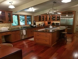 Luxurious Quechee Vermont Golf and Ski House Sleeps 12