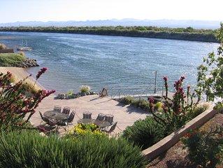 COLORADO RIVER RETREAT W/ PRIVATE BEACH, PRIVATE LAUNCH RAMP, PRIVATE DOCK & PAT