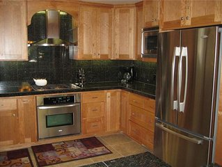 Family Getaway with the Comforts of Home- Near Sunriver Village ●SHARC Passes●