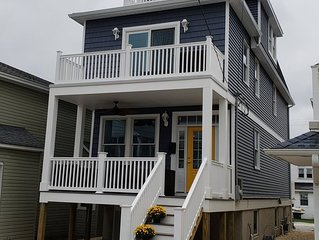 New Construction 5BR, Ocean Views, Five Houses from the Beach!