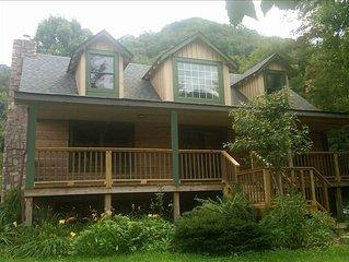 Sugar Plum Cabin - Beautiful Mountain View/Renovated Log Cabin/Kids Ski FREE/ELK