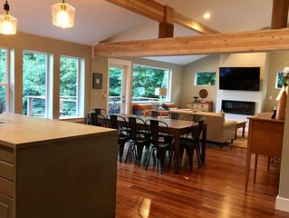 Poulsbo Beach house - newly remodeled, NEW LISTING