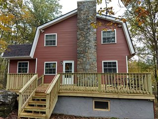 Masthope Pocono Retreat, Gorgeous Mountain Views, Fully Renovated, Cul-de-sac