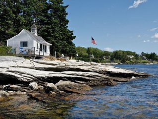 Oceanfront Retreat Cottage on Spruce PointBoothbay Harbor