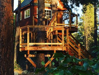Cottage & Treehouse on 20 acre Yakima Riverfront property