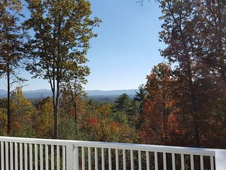 Peaceful Mountain Home. Near Downtown Asheville. Best Views. All New Everything!
