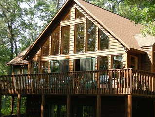Luxury Lake Home for large group getaways