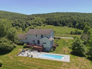 Private In-ground Pool, Patio and Perfectly Located Ideal for 12 Guests Wif, ac