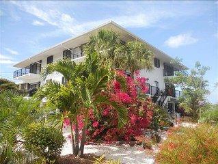Paradise Found... Gulfpointe Condominium... Vacationer's Dream