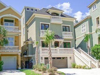 Brand New Home Built in 2018 - Rooftop Deck -Ocean View - Elevator - Sleeps 24