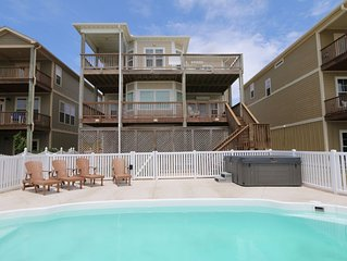 Gorgeous Blue Waters is right on the Beach w/elevator! Relax by the Pool/hot-tub