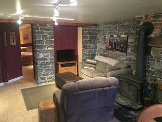 Historic Old Quebec City Condo, Comfortable and Quiet!