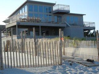 Luxury Oceanfront Retreat in North Beach
